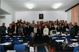 Prva generacija studenata 2001/02 - poslediplomske studije Elektronsko poslovanje